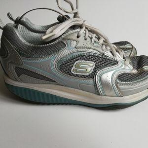 Skechers Womens Shape Ups XF Accelerators Shoes